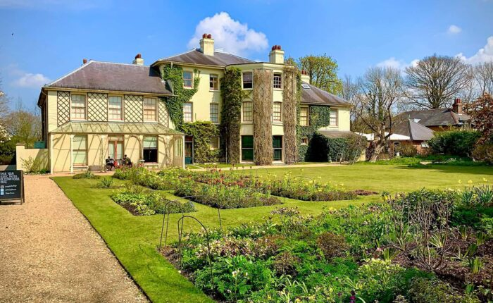 Private Tour to Charles Darwin's Down House from London