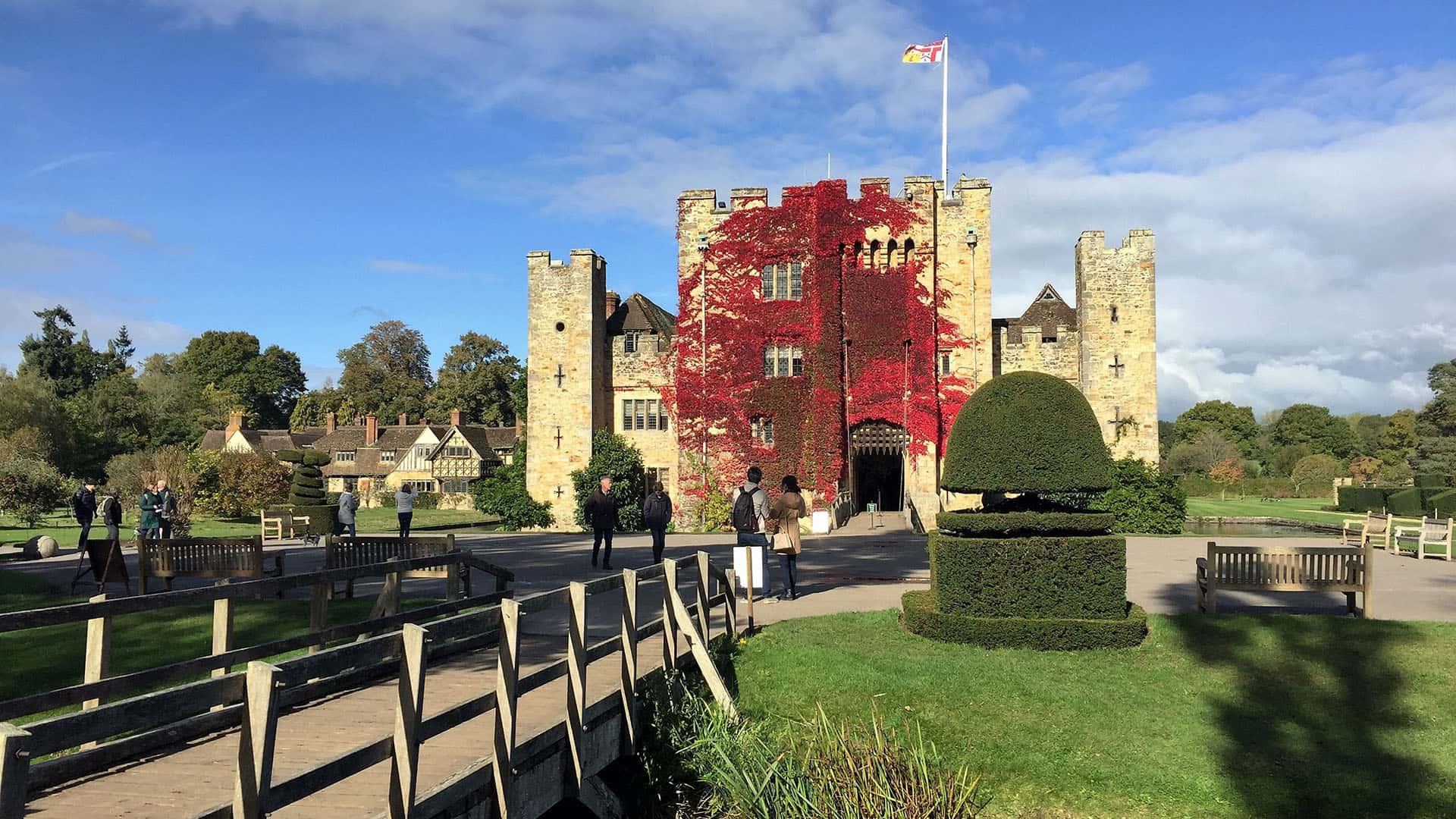 Private Day Tour to Historic Hever Castle from London