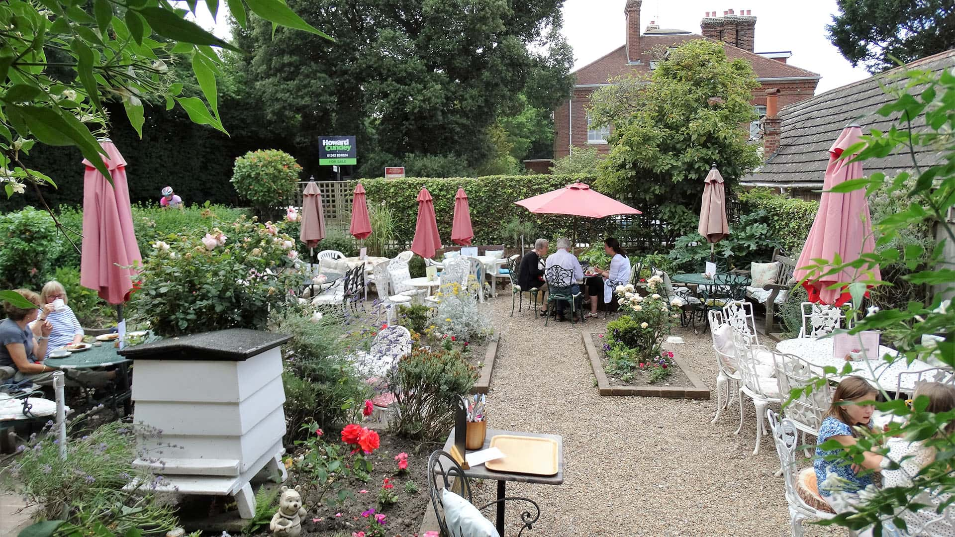 Outdoor cafe at Pooh Corner