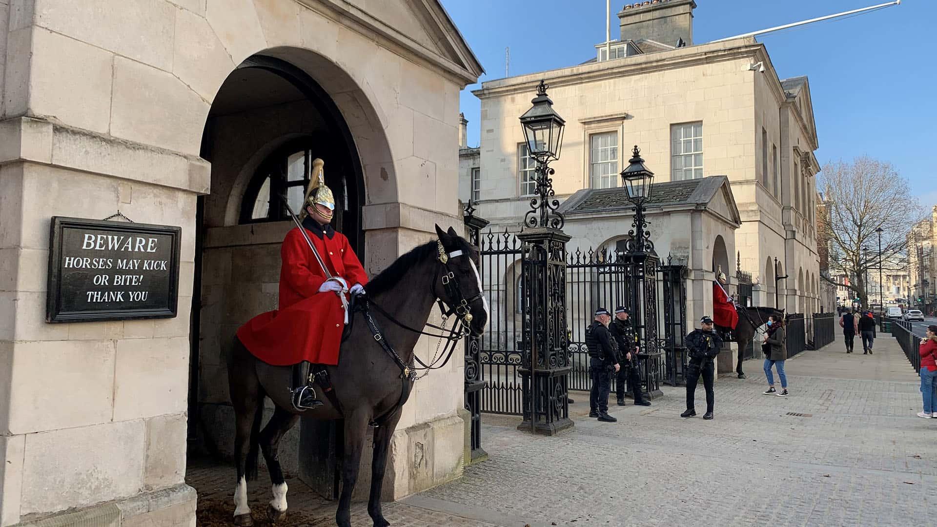 Guards on Horseback – The British Royal Private Virtual Tour London