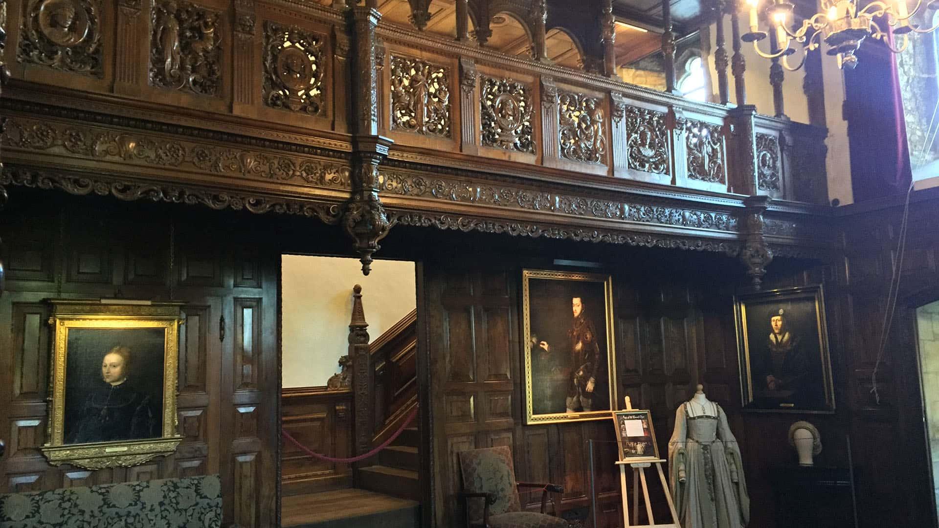 Tour Inside Hever Castle
